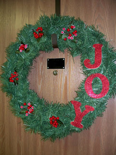 Easy, Inexpensive Holiday Wreath!