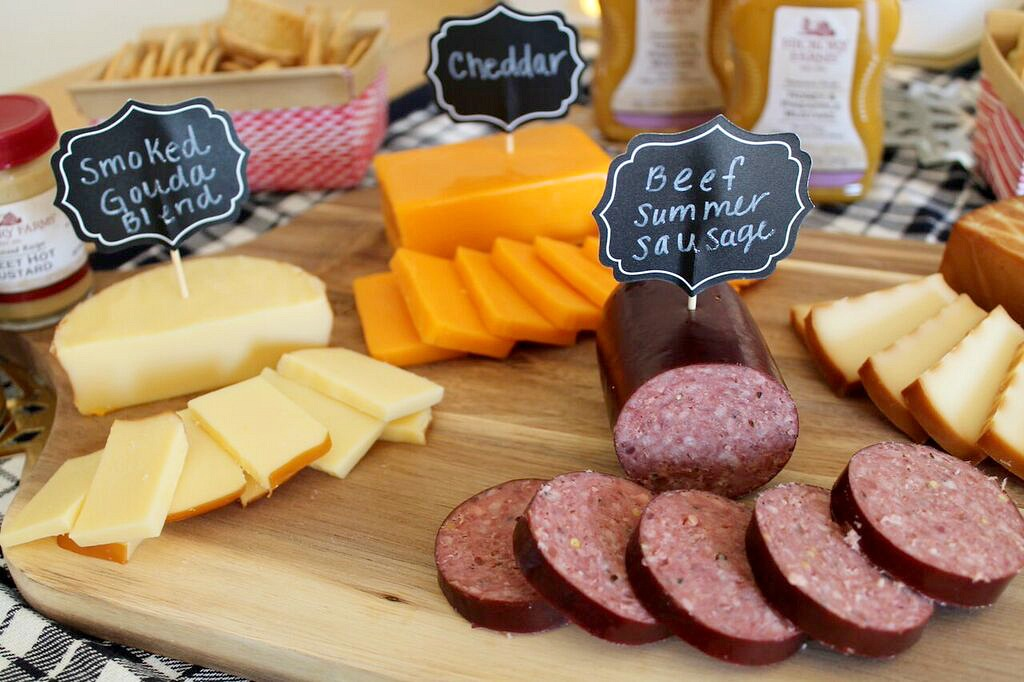 Holiday Food + Entertaining with Hickory Farms