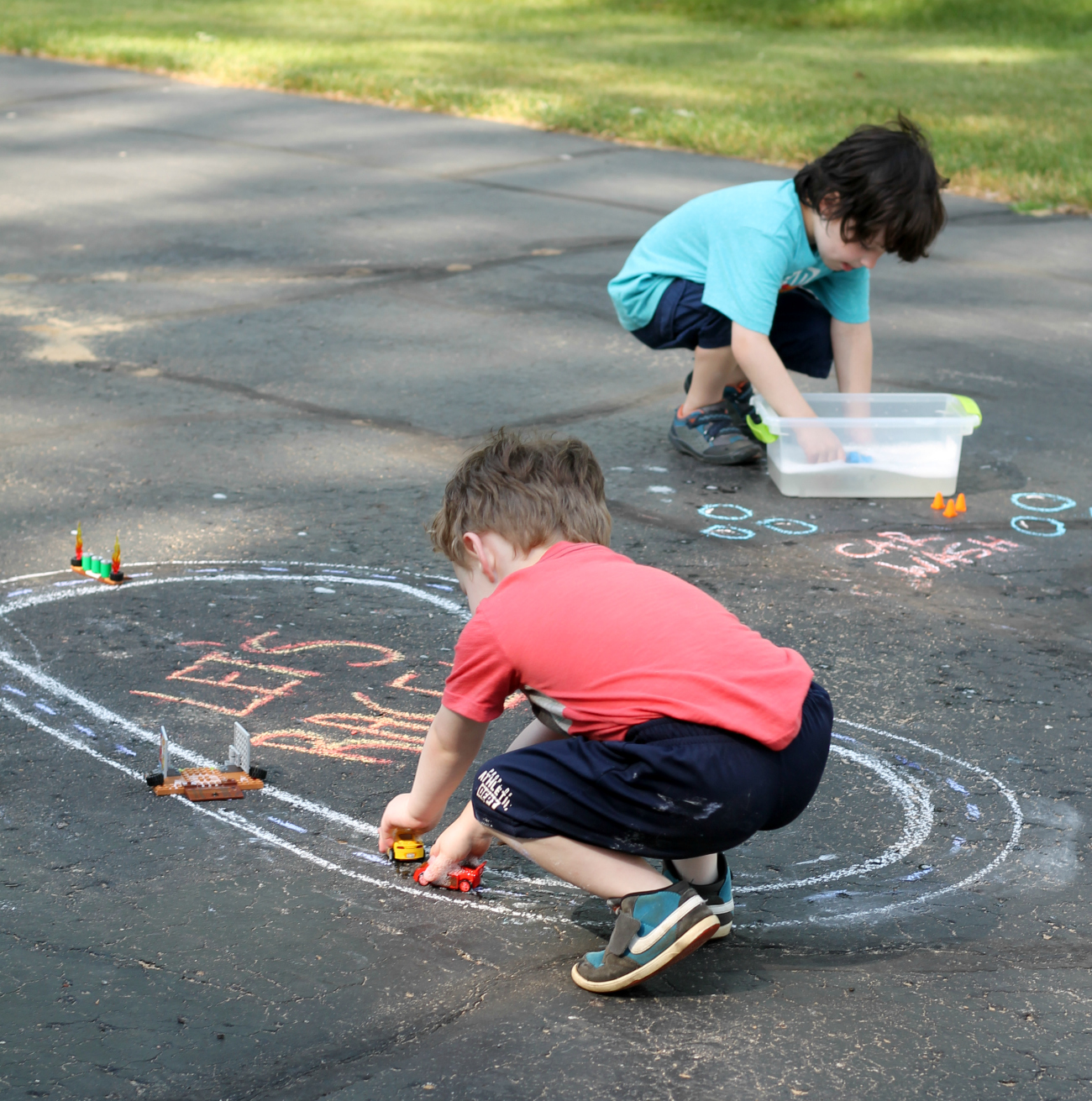 Disney•Pixar's Cars 3 Chalk Race Track & Car Wash Activity