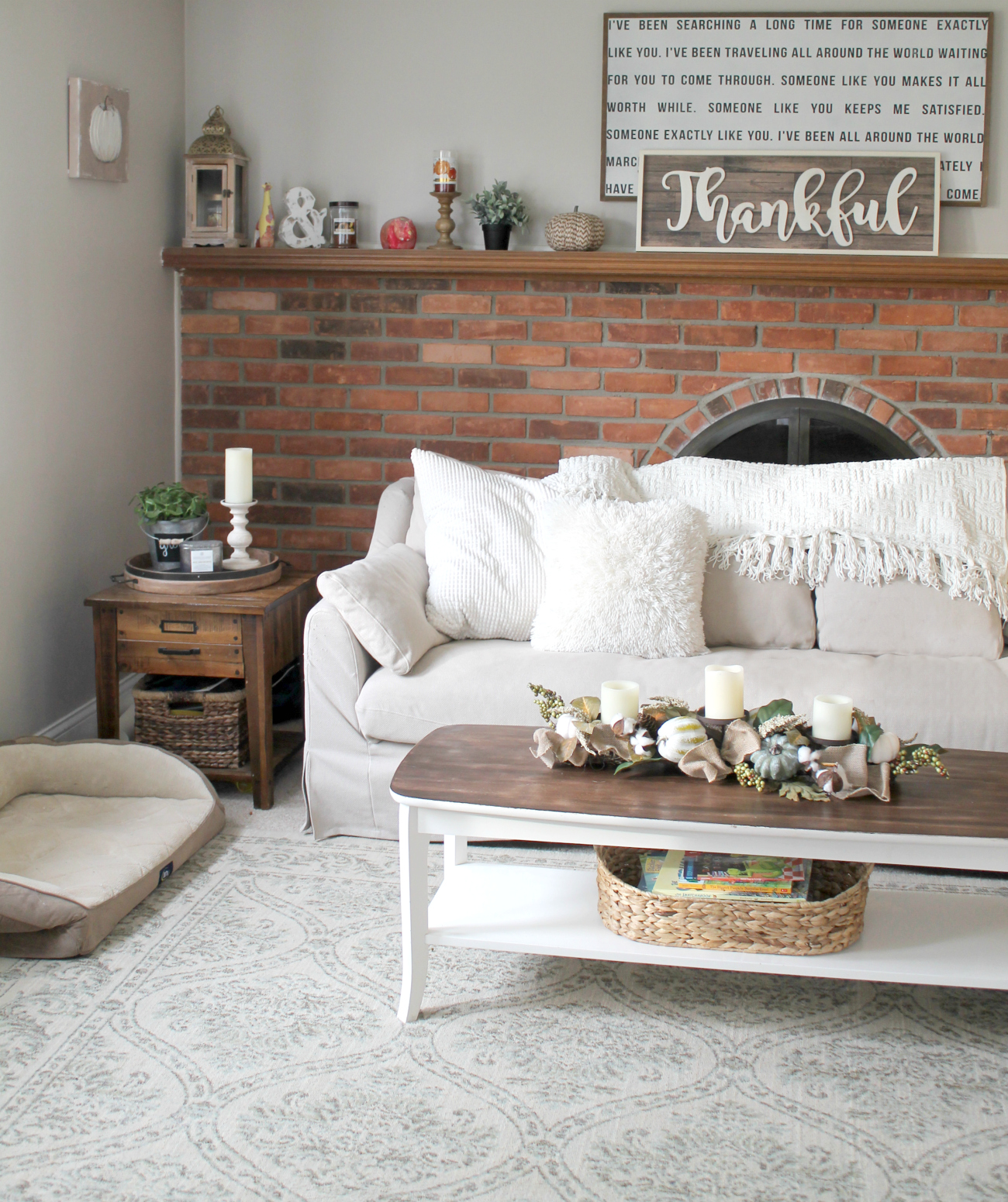 farmhouse style coffee table makeover. Black Bedroom Furniture Sets. Home Design Ideas