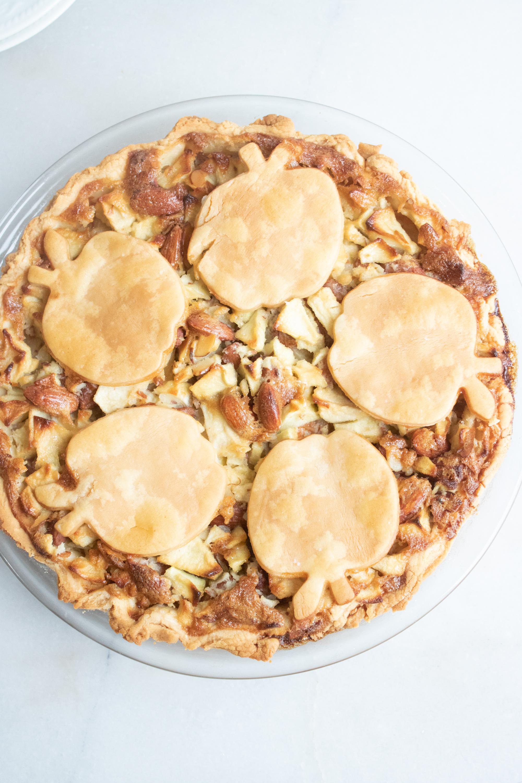 Easy Apple Almond Pie Recipe
